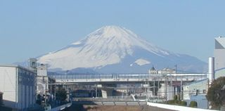 fuji010205.jpg